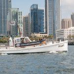 Pilot boat doing bay tour